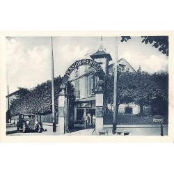ABAO 77 - Seine-et-Marne [77] Barbizon - Entrée de l'Hôtel Bellevue. Rue des Charmettes.