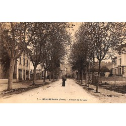 ABAO 38 - Isère [38] Beaurepaire - Avenue de la Gare.