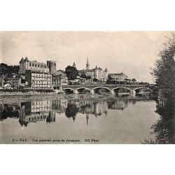 ABAO 64 - Pyrénées Atlantiques [64] Pau - Vue générale prise de Jurançon.