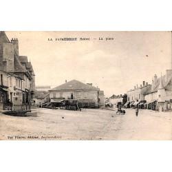 ABAO 42 - Loire [42] La Pacaudière - La Place.